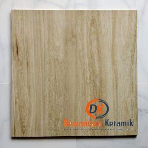Keramik Lantai 60 x 60 Platinum Motif Kayu Safari CM Dewantara Pare Kediri