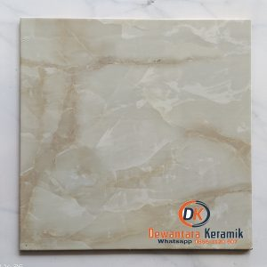 Keramik lantai 50 x 50 platinum salvatore GN Dewantara Pare Kediri